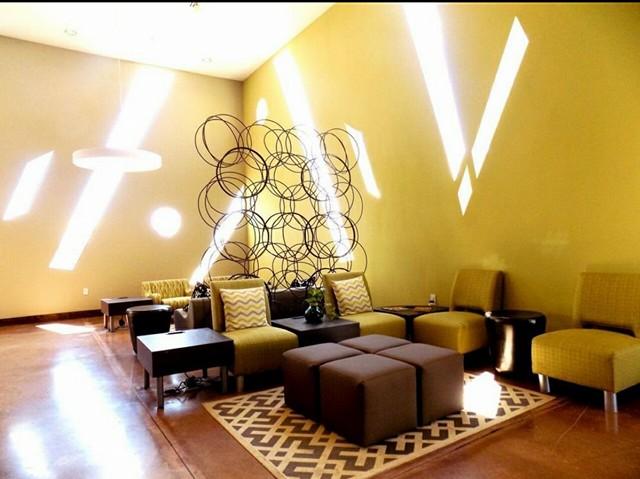 Malana Hotel & Suites