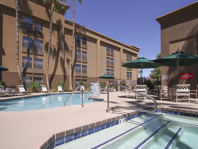 GreenTree Inn & Suites Phoenix Sky Harbor