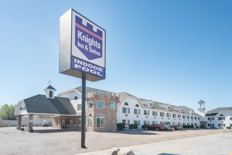 Knights Inn Grand Forks