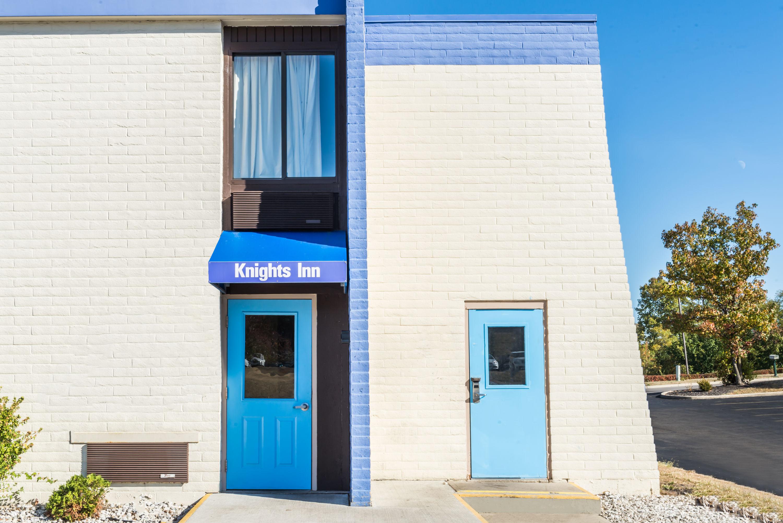 Knights Inn Dayton at Poe Ave