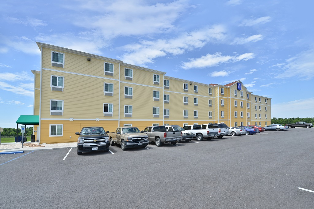 Amelia Extended Stay & Hotel